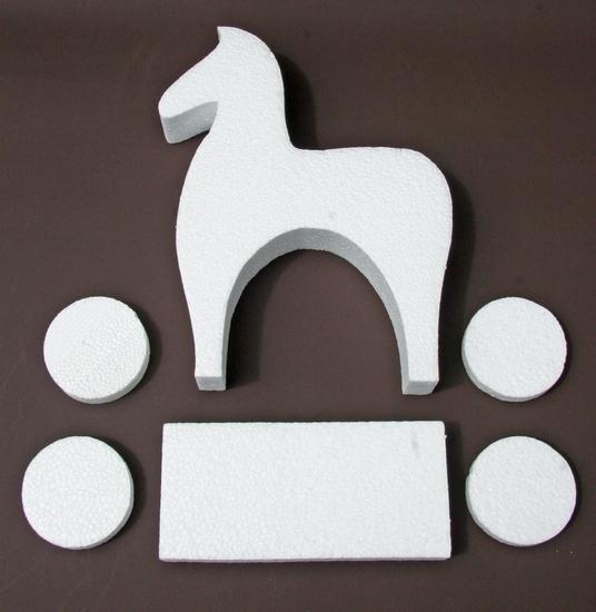 Paverpol  styropor paardje totaal 6-delig, paard hoogte 30 cm